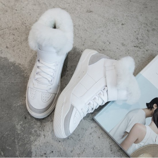Sneaker Superstar White with Shearling star