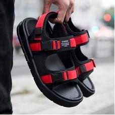 Casual Sandeles Per Unisex di Estate di Modo Sandali Da Spiaggia Per Gli Uomini Comode Scarpe Da Spiaggia Coppie Donne Nere Sandali Per Il Tempo Libero