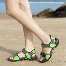 Sandali di lusso Coppie Della Spiaggia Mare Scarpe 35-46 Più Il Formato Unisex Scarpe Da Spiaggia All'aperto Calzature Acqua Piscina Luce Pantofole delle Donne degli uomini